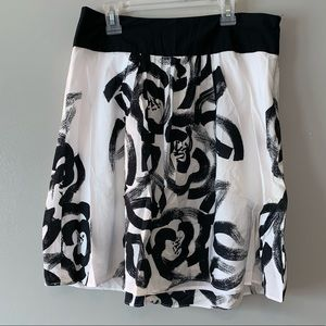 Super cute black and white flowey cotton skirt